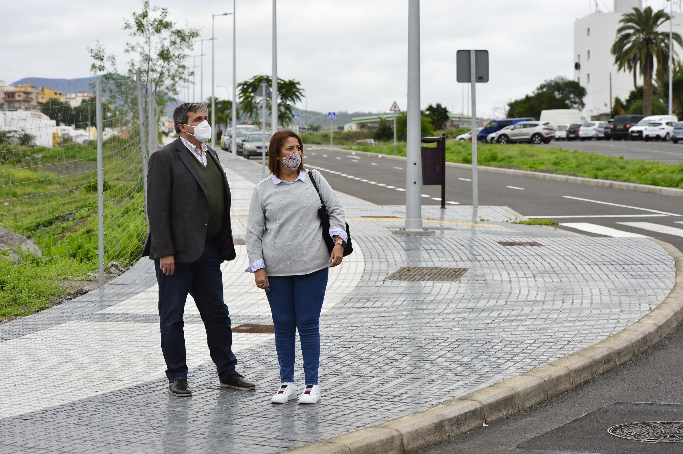 Javier Doreste y Mercedes Sanz en Tamaraceite / CanariasNoticias.es