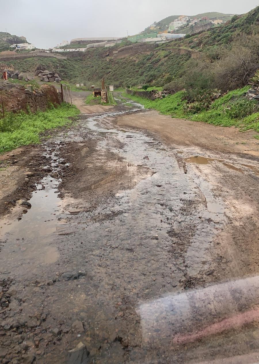 Vertido de aguas en el barranco de Cardones, Arucas / CanariasNoticias.es