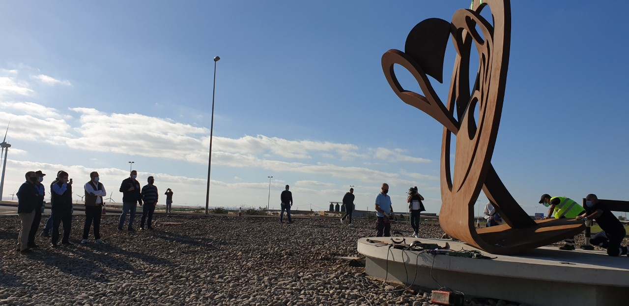 Escultura 'Esencia' del escultor Paco Rodríguez/ canariasnoticias.es