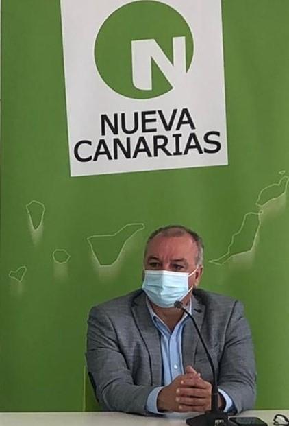 Luis Campos plantea un acuerdo singular con Canarias para ampliar los ERTE hasta el final del próximo verano
