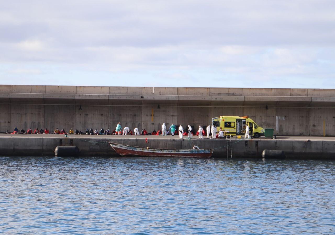 Inmigrantes en el puerto de Vueltas. Valle Gran Rey. La Gomera/ canarianoticias