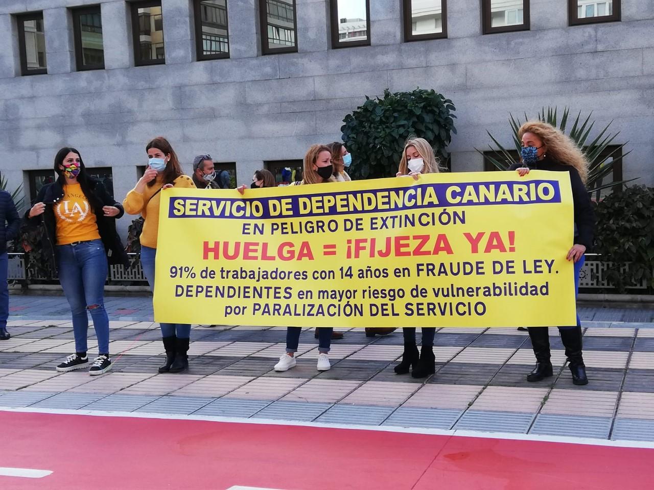 Un 90% de los trabajadores temporales del Gobierno de Canarias secunda la primera jornada de huelga
