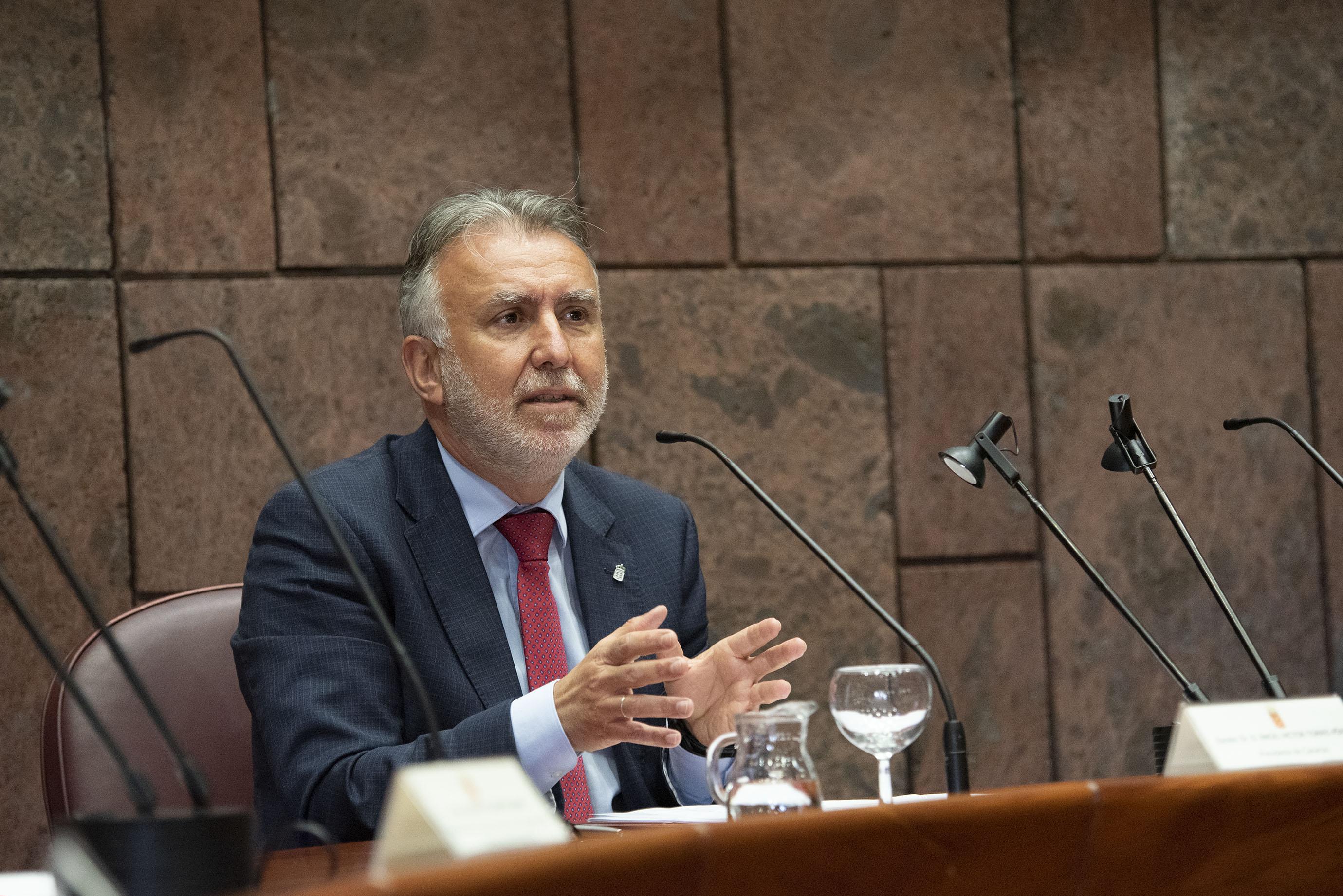 Ángel Víctor Torres en el Proyecto de Interconexión submarina entre Tenerife y La Gomera