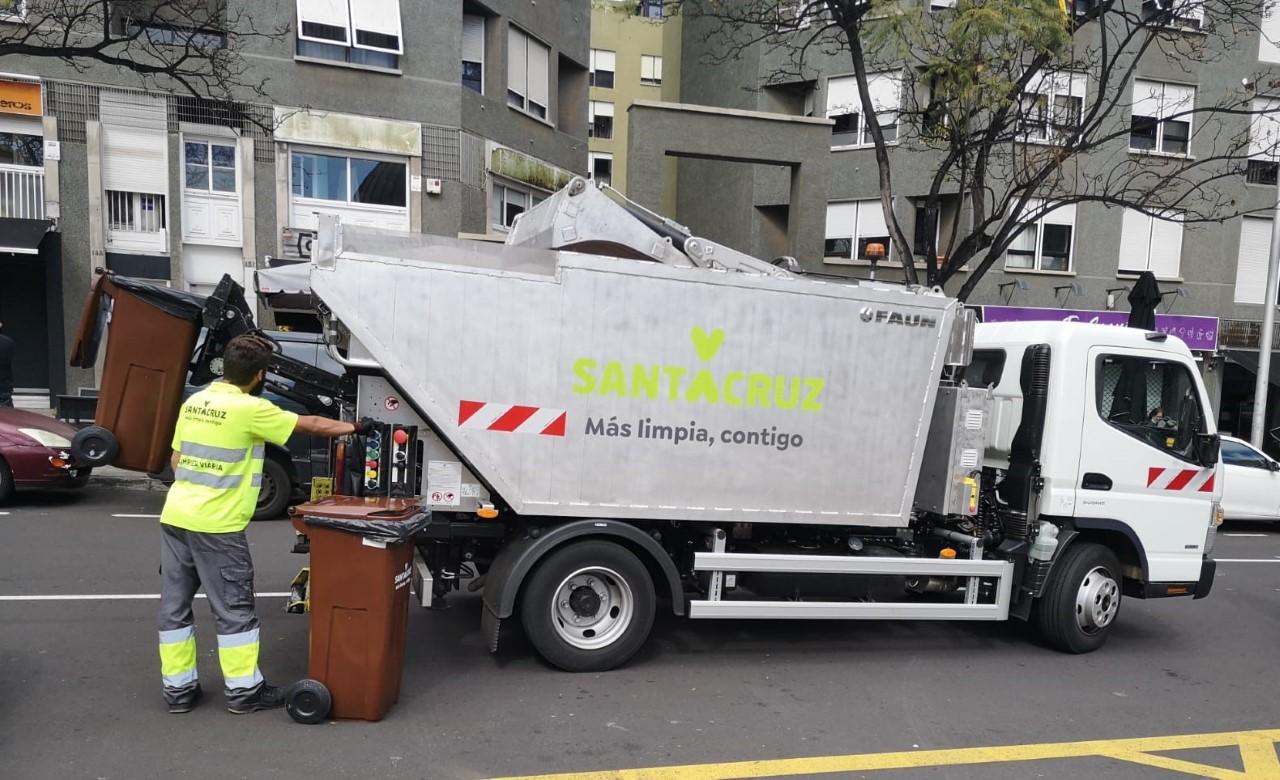 Contenedores marrones. Residuos orgánicos. Santa Cruz de Tenerife/ canariasnoticias