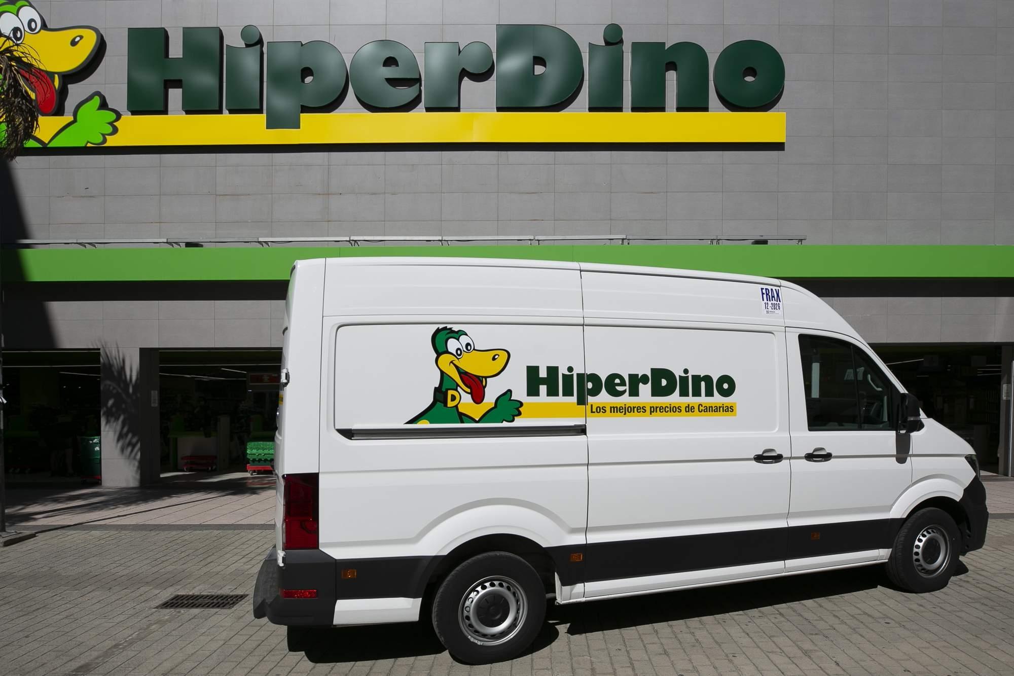 Nuevos vehículos de reparto de HiperDino / CanariasNoticias.es