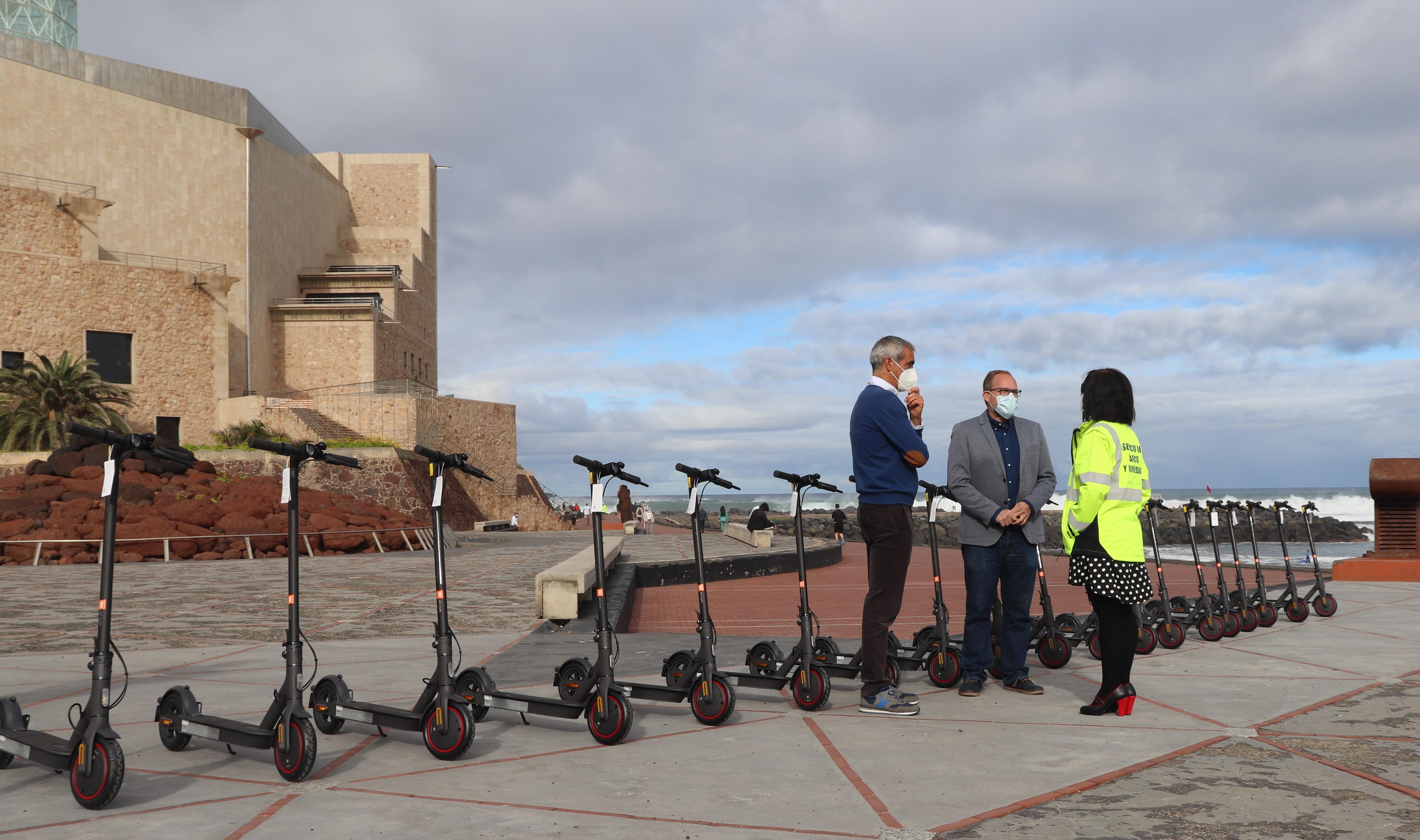 Patinetas eléctricas para el personal del Ayuntamiento de Las Palmas de Gran Canaria / CanariasNoticias.es
