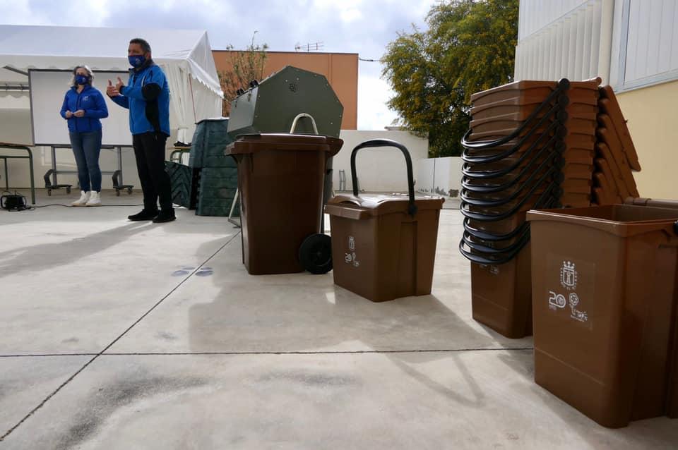 El Hierro avanza en la implantación del contenedor de materia orgánica / CanariasNoticias.es