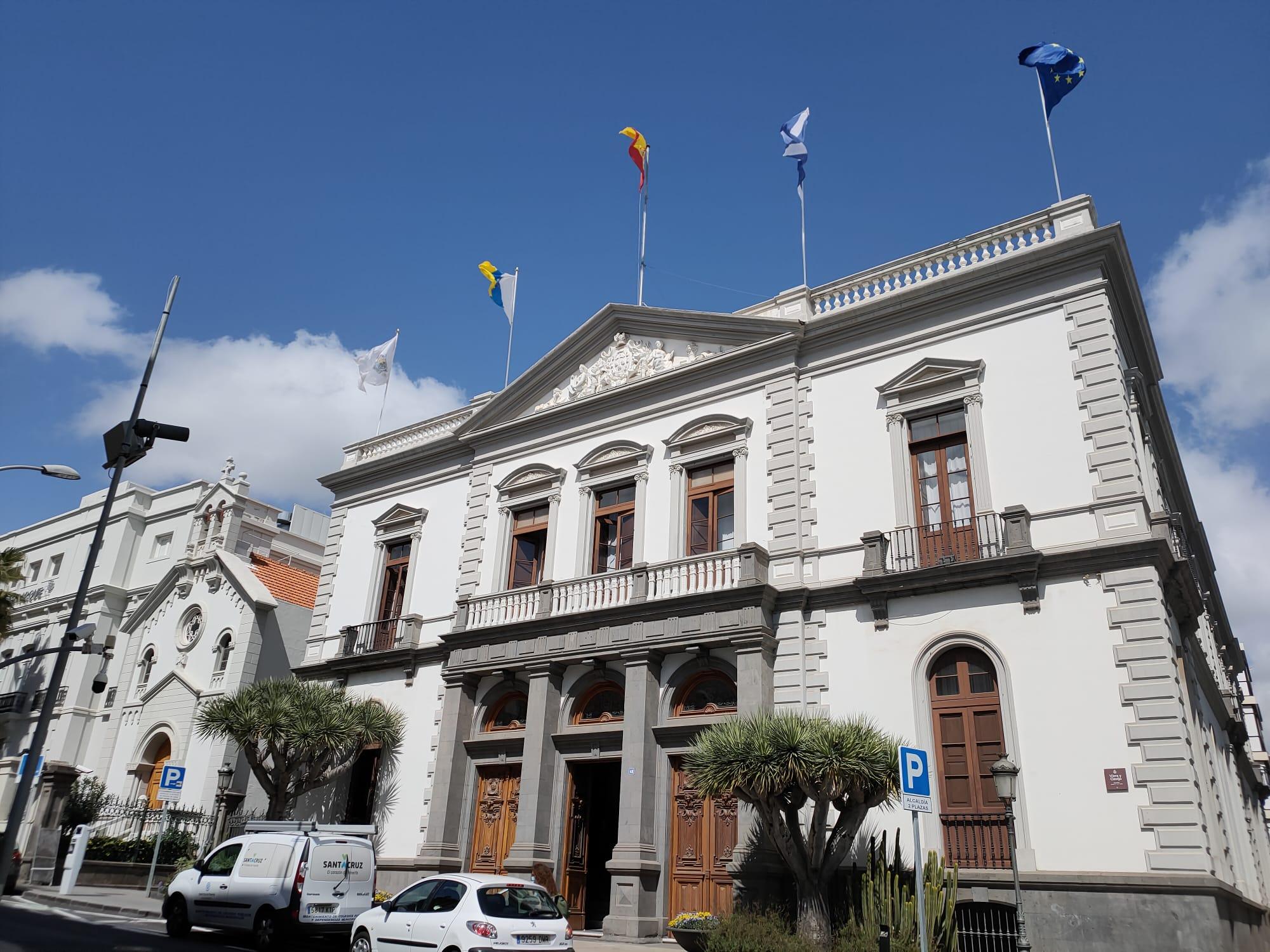 Un total de 5.219 personas han firmado un contrato de trabajo en Santa Cruz de Tenerife en febrero