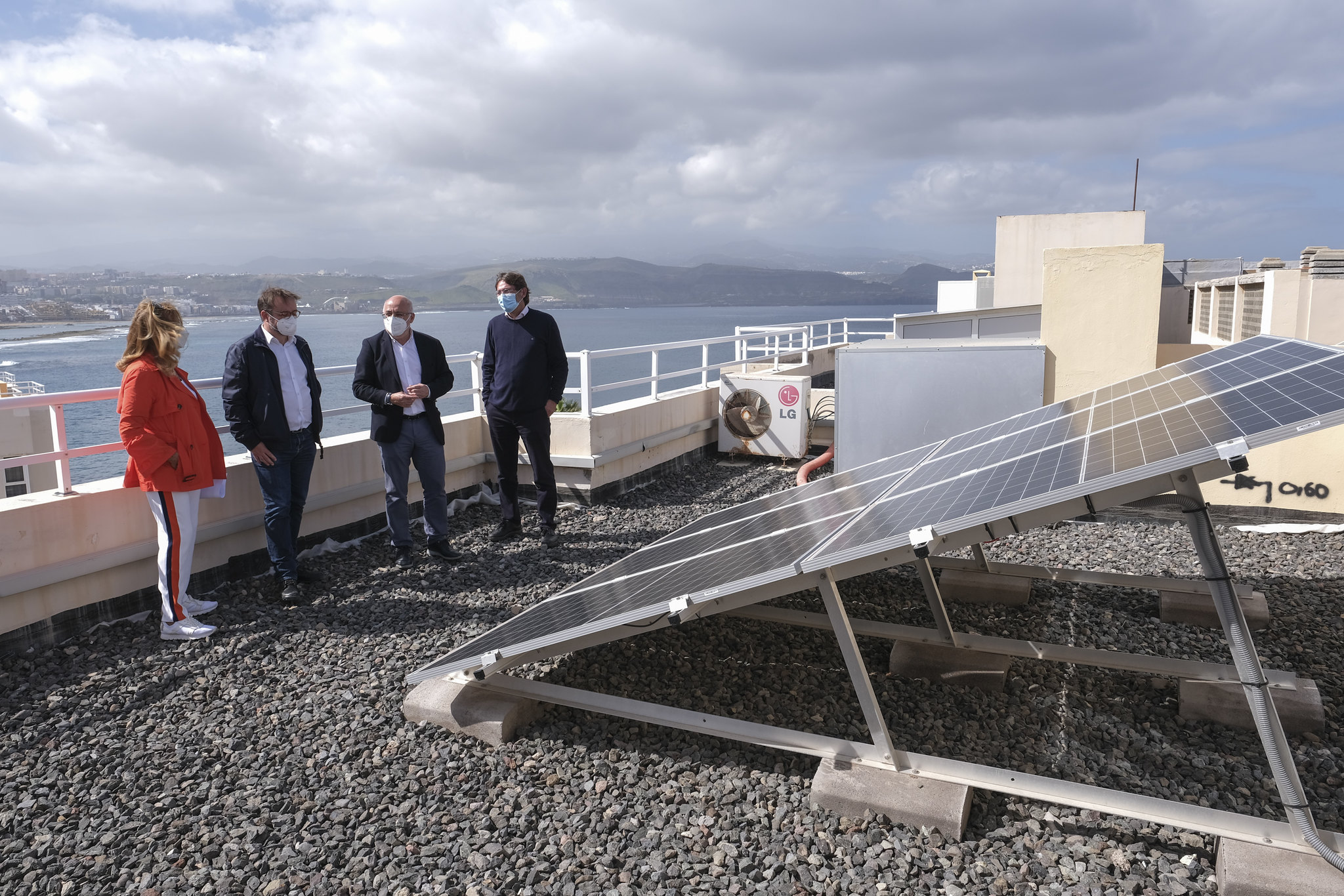 El Cabildo de Gran Canaria lanza ayudas para placas solares en viviendas y empresas  / CanariasNoticias.es