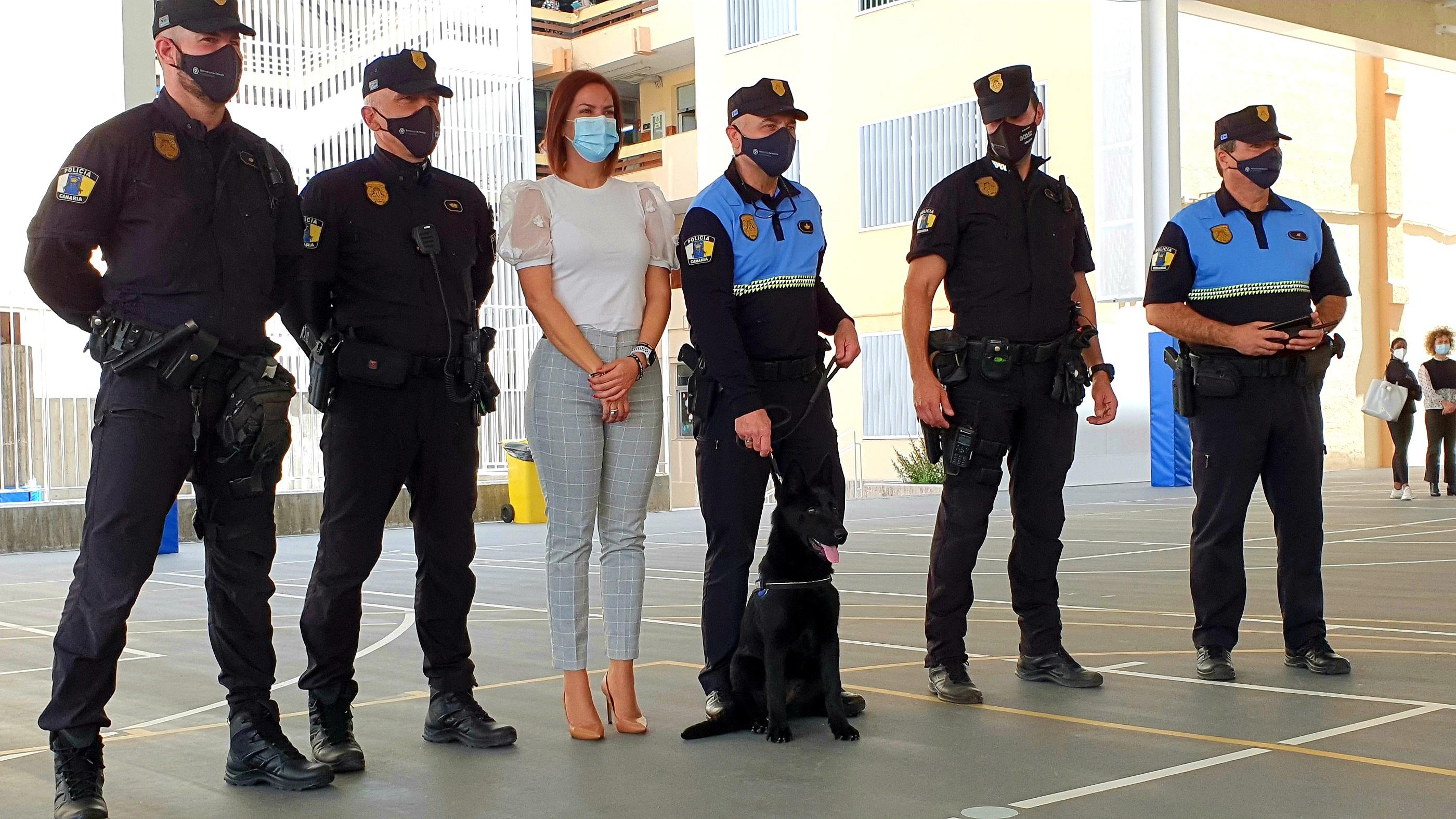"""Presentación de """"Furia"""" de la Unidad Canina de la Policía de Santa Cruz de Tenerife / CanariasNoticias.es"""