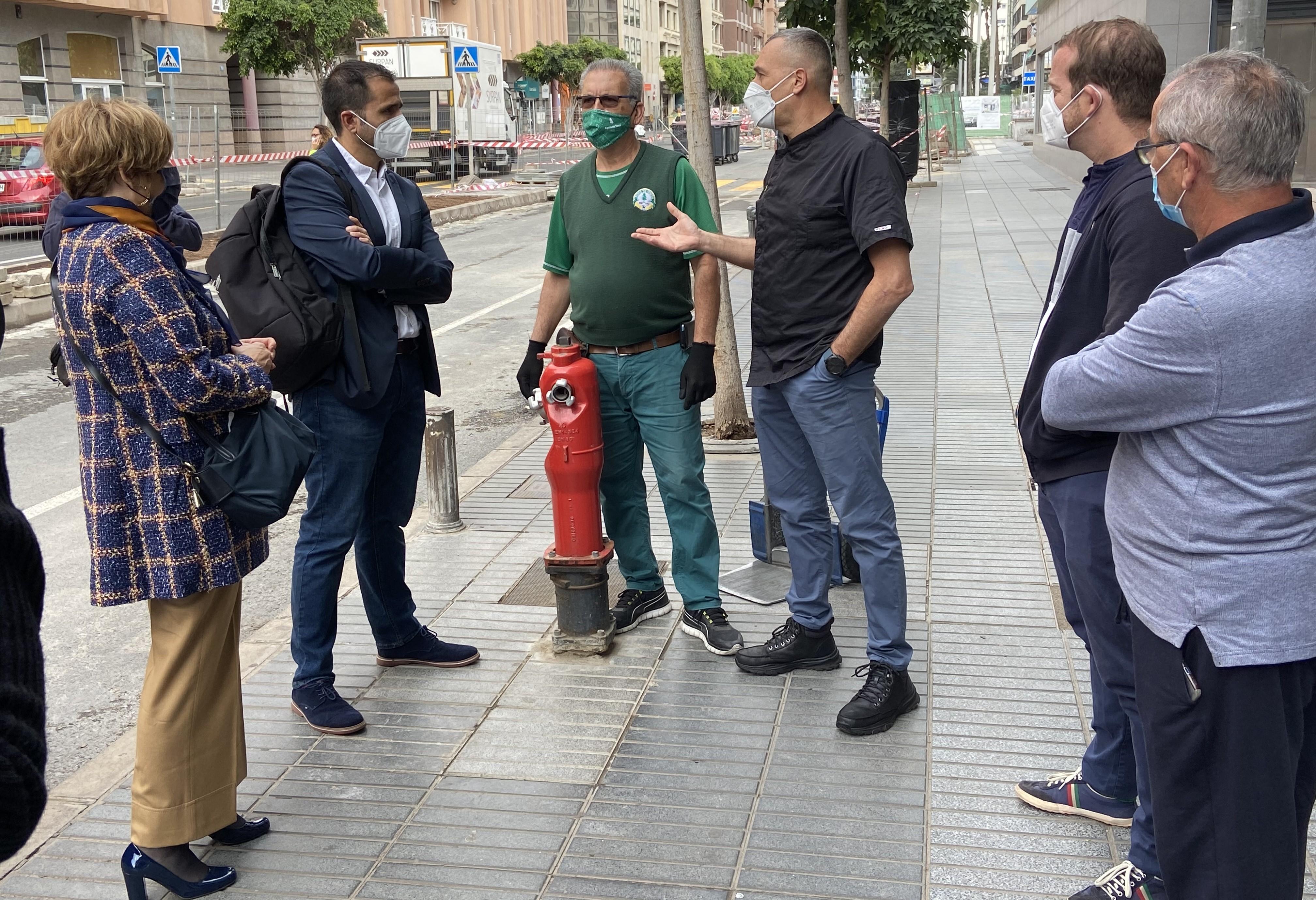 El PP con comerciantes de Luis Doreste Silva / CanariasNoticias.es