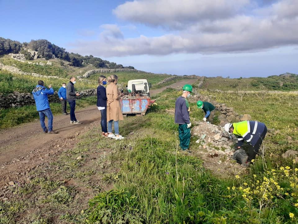 El Hierro. Campaña de limpieza en espacios naturales/ canariasnoticias