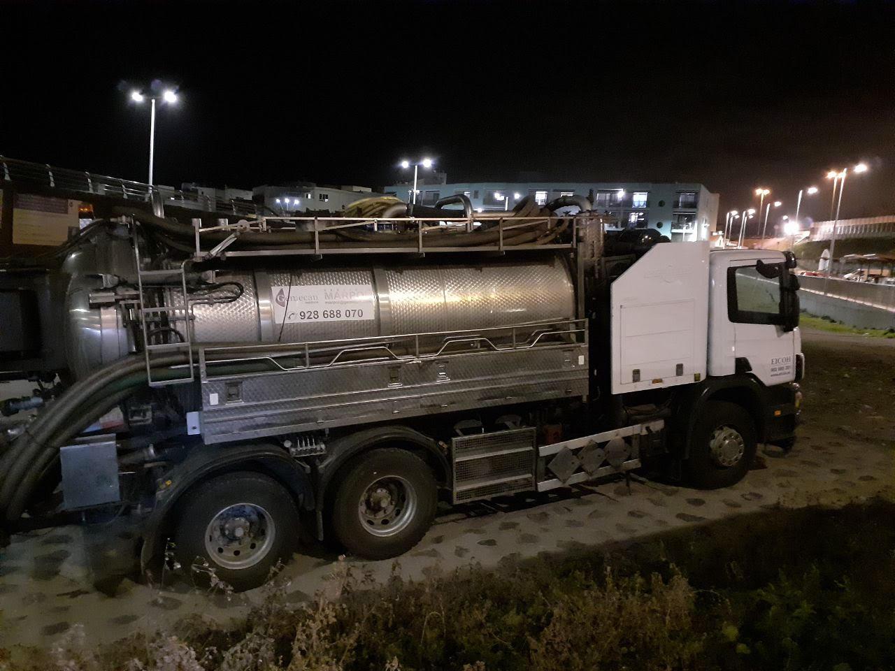 Limpieza de la Estación de Bombeo de Aguas Residuales (EBAR) de El Puertillo de Arucas / CanariasNoticias.es