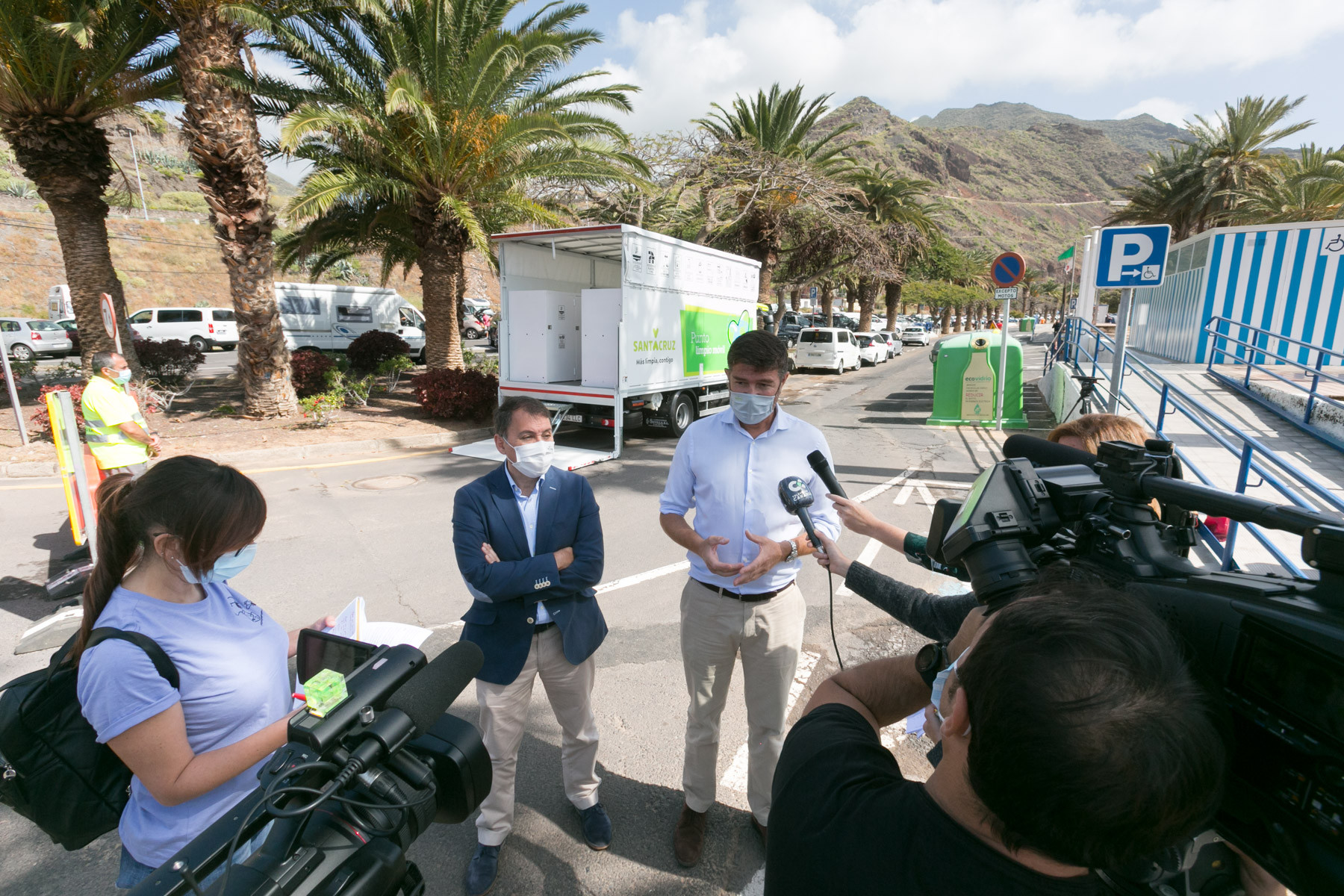 Punto Limpio móvil en Santa Cruz de Tenerife / CanariasNoticias.es