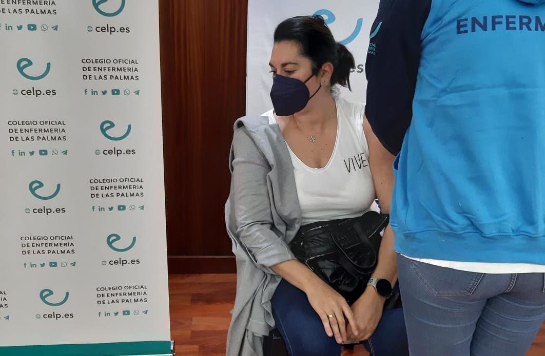Vacunación contra Covid-19 de fisioterapeuta colegiada / CanariasNoticias.es