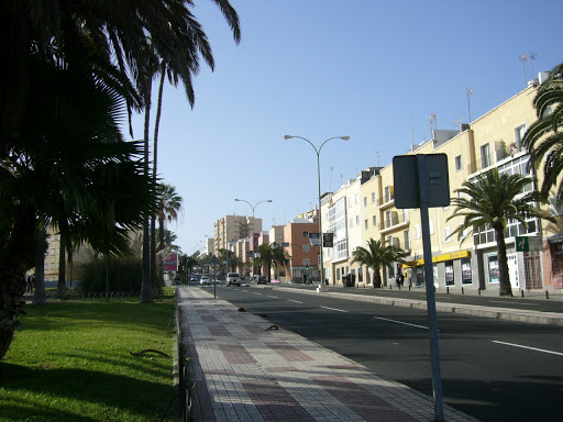 El Ayuntamiento de Las Palmas de Gran Canaria reasfaltará 15 calles y avenidas en Ciudad Alta por 3 millones de euros para mejorar el tránsito y la accesibilidad
