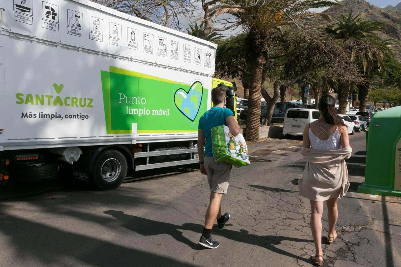 Punto Limpio Móvil. Santa Cruz de Tenerife/ canariasnoticias