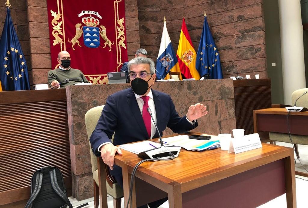 Román Rodríguez en una comparecencia en la Comisión de Presupuestos y Hacienda / CanariasNoticias.es