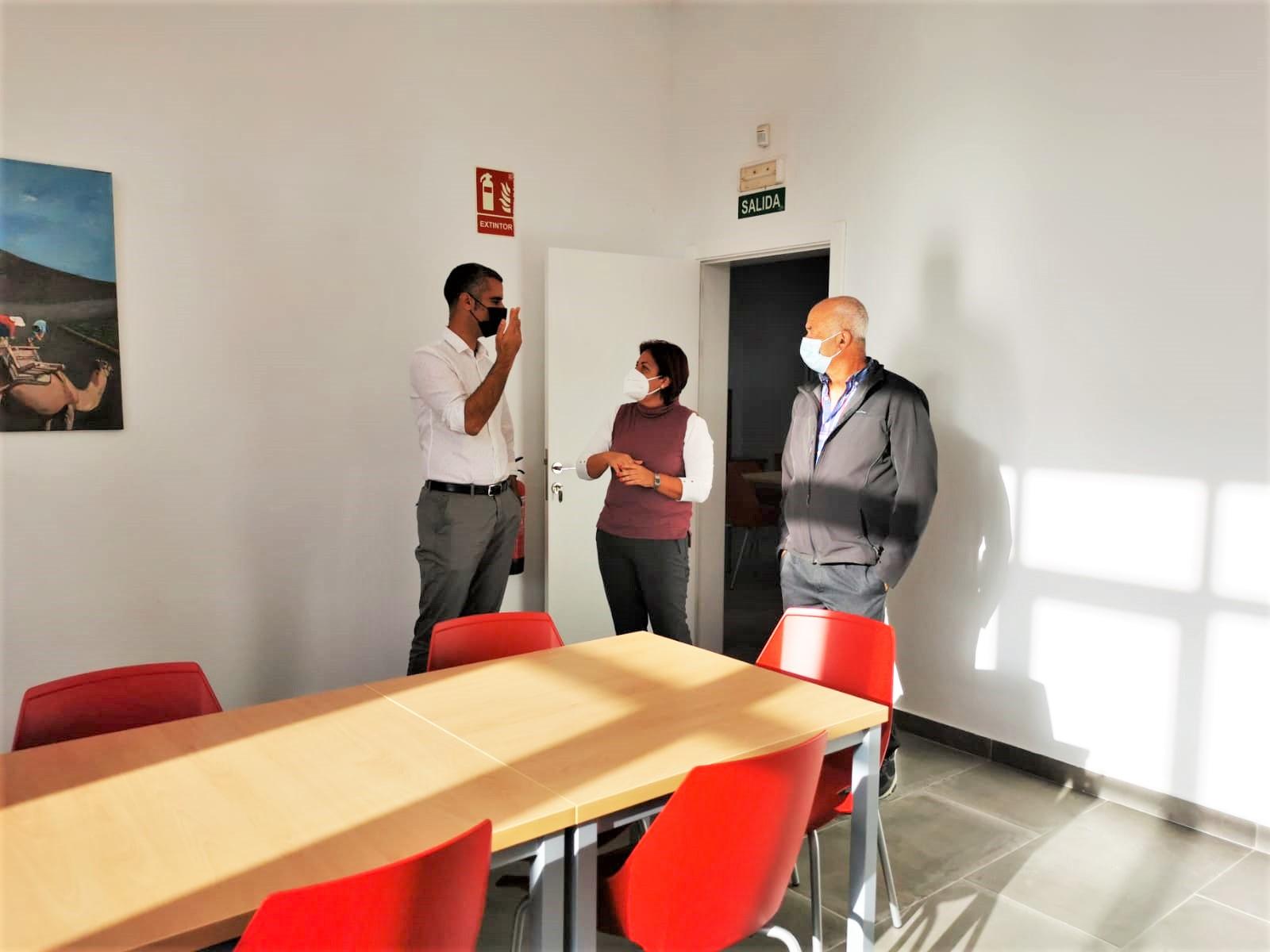 Visita al Centro de la Tercera Edad de San Bartolomé (Lanzarote) / CanariasNoticias.es