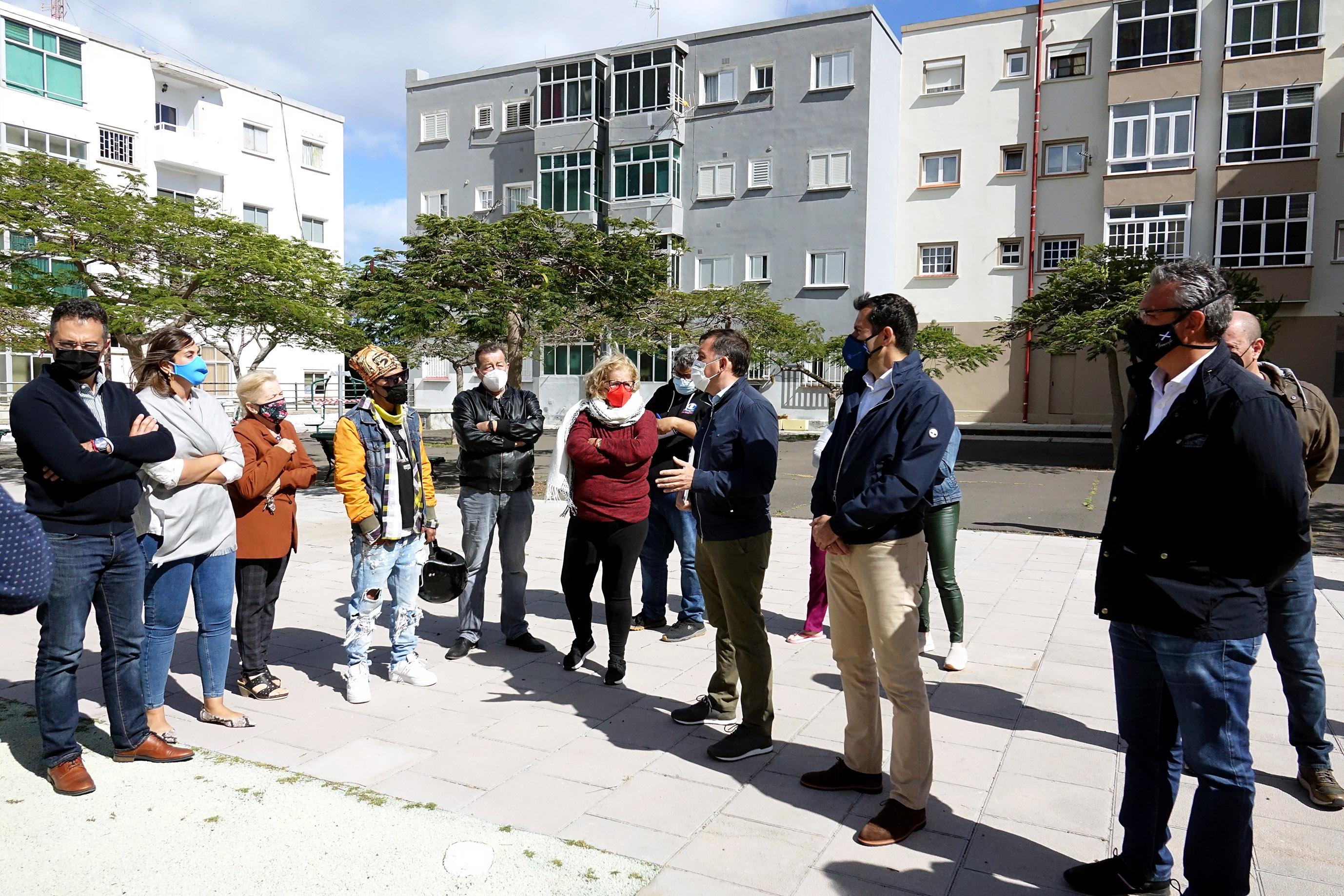 El alcalde de Santa Cruz, José Manuel Bermúdez visita las 1000 viviendas / CanariasNoticias.es