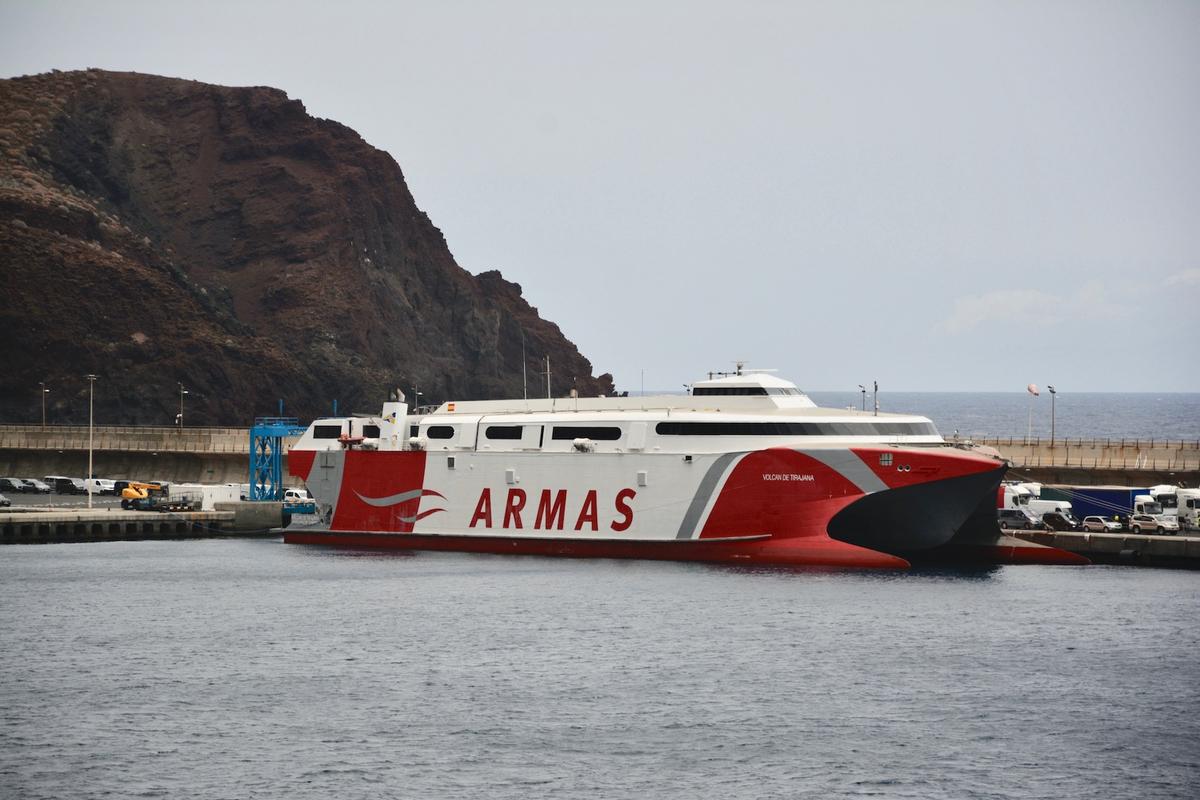 Catamarán Volcán de Tirajana de Naviera Armas / CanariasNoticias.es