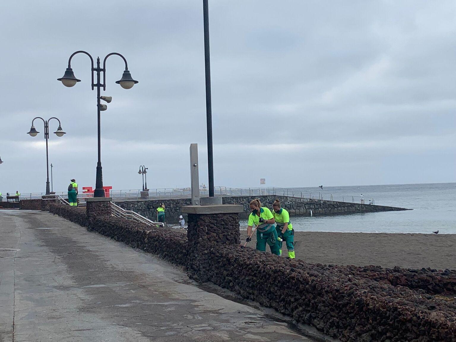 Limpieza de choque en la costa de Telde / CanariasNoticias.es