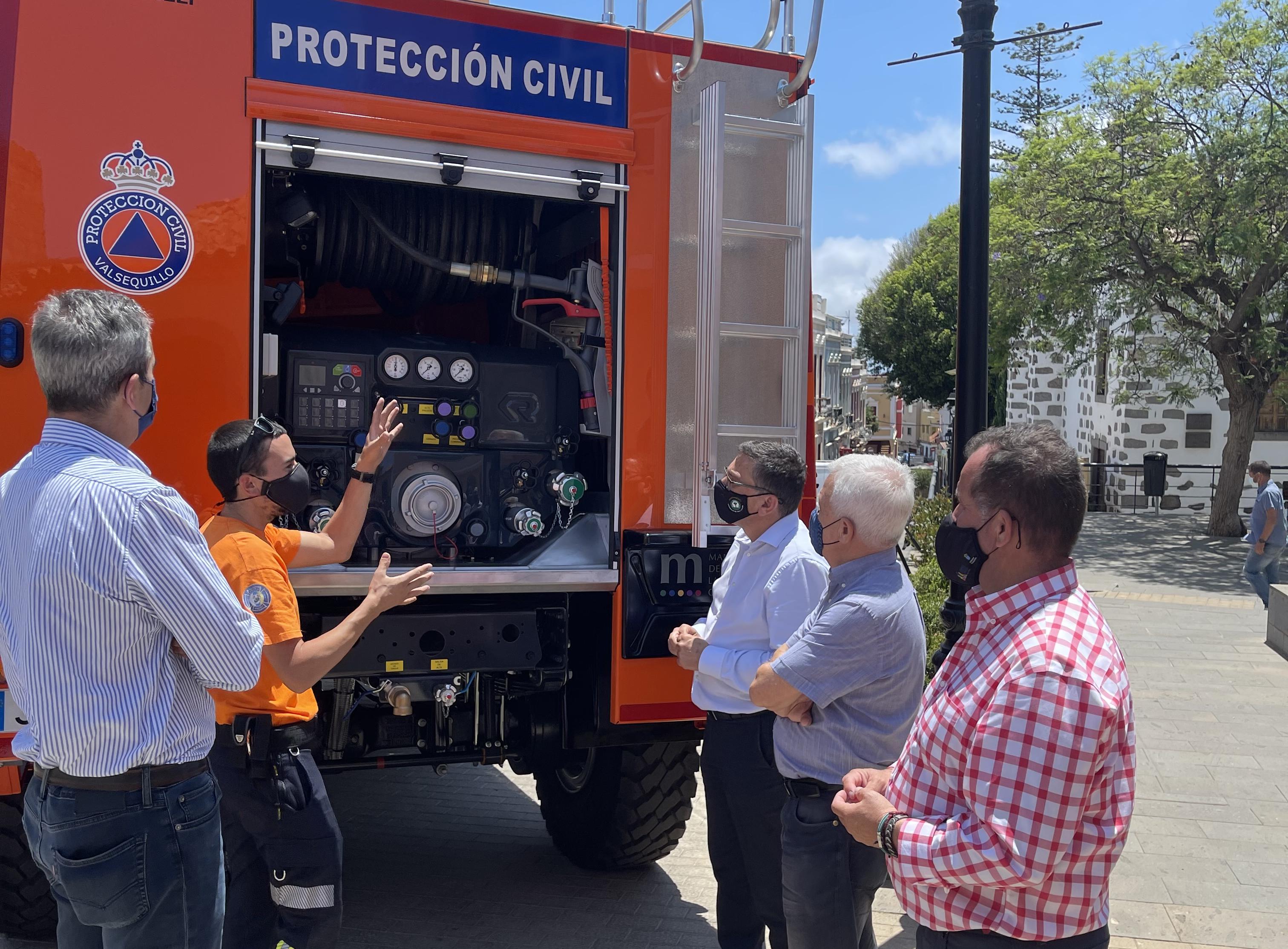 Presentación del vehículo autobomba forestal para Protección Civil de Valsequillo / CanariasNoticias.es
