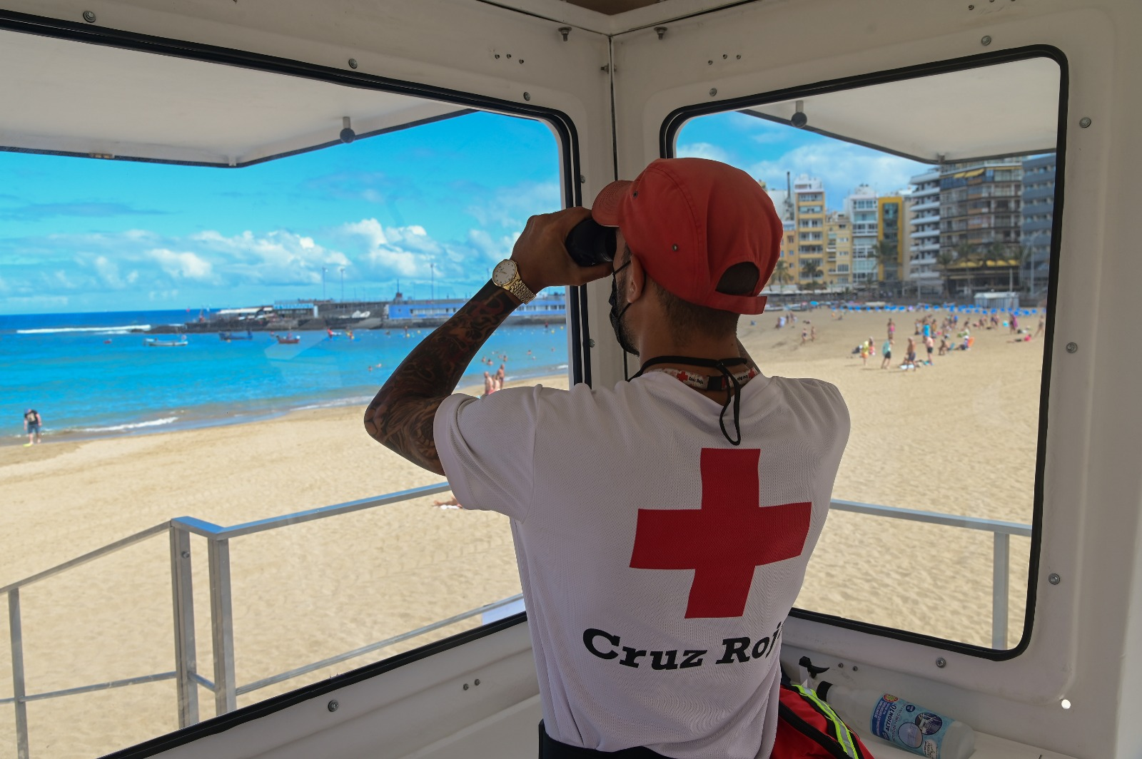 Cruz Roja en playas de Canarias