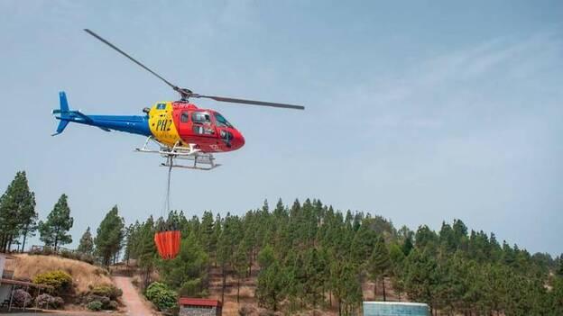 Helicóptero contra incendios/ canariasnoticias
