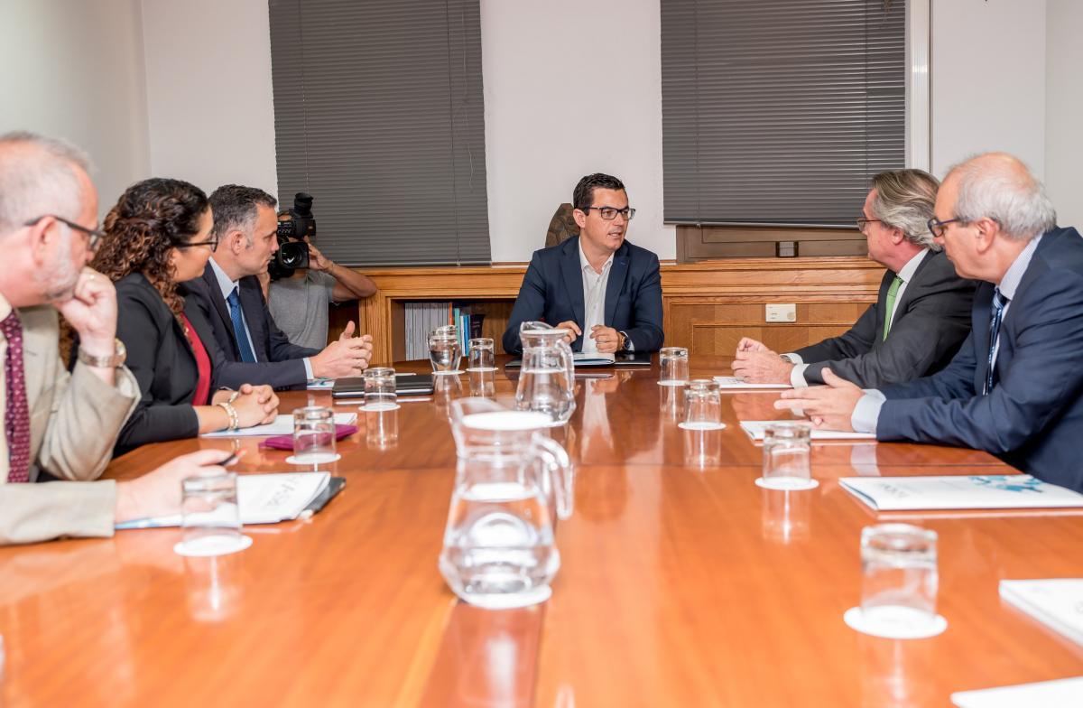 El Gobierno de Canarias recupera el Salón Atlántico de Logística y Transporte