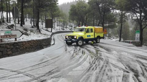 Carretera cerrada en Gran Canaria por la nieve
