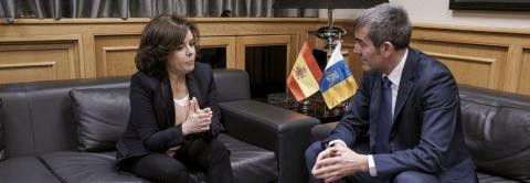 Soraya Sáenz de Santamaría y Fernado Clavijo