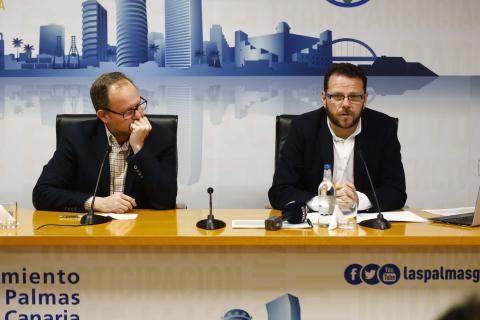 José Eduardo Ramírez y Heriberto Dávila presentando una nueva fase de la red ciclista de Las Palmas de Gran Canaria