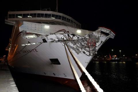 Barco accidentado de Naviera Armas