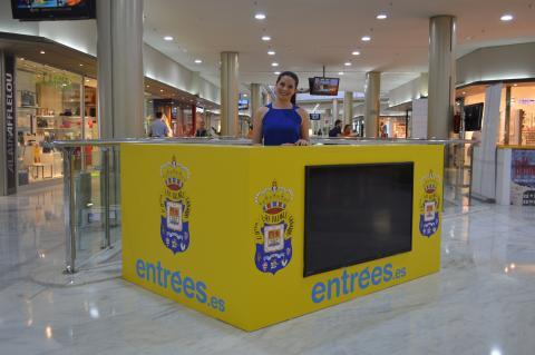 Punto de venta oficial de la UD Las Palmas en el CC Las Arenas