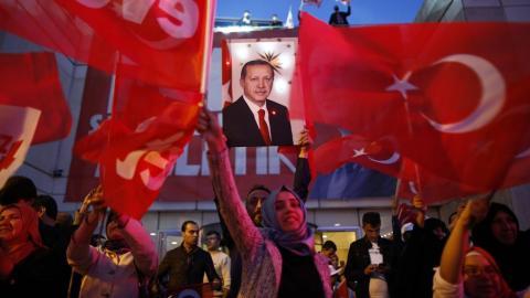 Cartel de Erdogan en Turquía tras el referendum