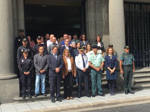 Minuto de silencio en el Gobierno de Canarias