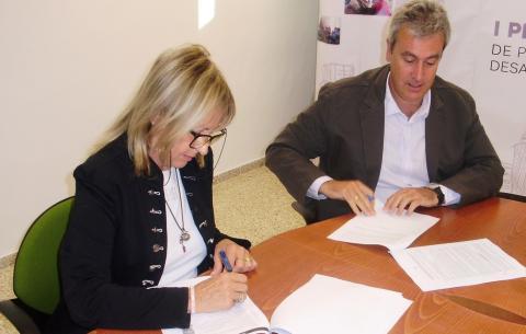 Firma del Convenio del Ayuntamiento de Santa Cruz de Tenerife y la Cruz Roja