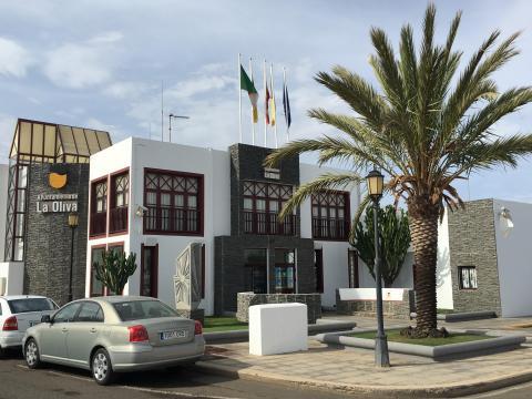 Fachada el ayuntamiento de La Oliva