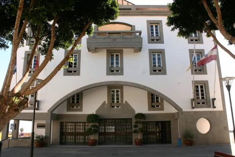 Fachada del edificio del Ayuntamiento de Granadilla de Abona