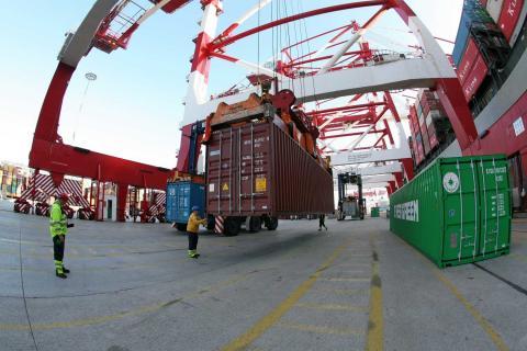 Estibadores en el puerto