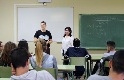 Charla a jóvenes en el IES San Juan de la Rambla