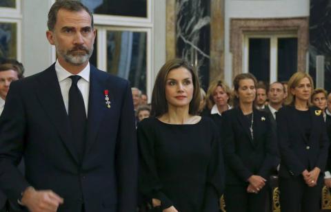 El Rey Felipe VI, Letizia Ortiz y las infantas Elena y Cristina