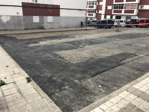 Parcheo de asfaltado en el barrio de Las Torres  en Las Palmas de Gran Canaria