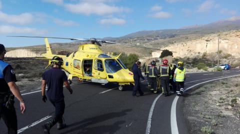 Intervención del helicóptero del SUC en un accidente de tráfico