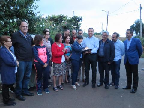 El alcalde de Guía, Pedro Rodríguez en el encendido de luminarias LED