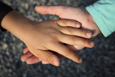 Manos de niños