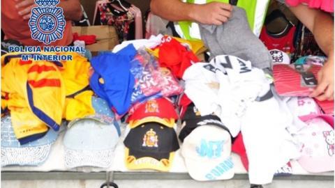 Material incautado de ropa falsificada