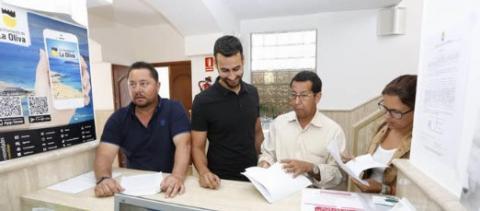 Marcelino Umpierrez( NC), Isai Blanco ( CC), Rafael Avendaño (PPM) y Guaximara González ( PPM) en el momento de registrar censura