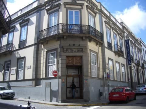 Fachada del Museo Canario